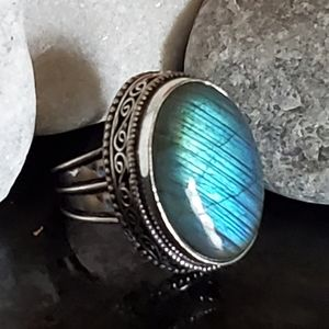 🍷 FIERY LABRADORITE RING